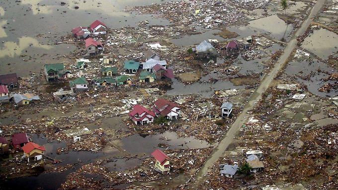 Der Tsunami richtete unvorstellbare Schäden entlang der betroffenen Küstenlinien an.