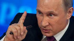 Ausland Schuld am Rubel-Absturz: Putin äußert sich zu Russlands Wirtschaftslage