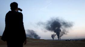 """Seit Monaten fliegt eine multinationale Allianz Luftangriffe in Syrien und dem Nordirak: Unterschätzt der Westen die Bewegung """"Islamischer Staat""""?"""