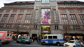 Mit Reizgas Schmuck erbeutet: Maskierte Täter überfallen Berliner KaDeWe