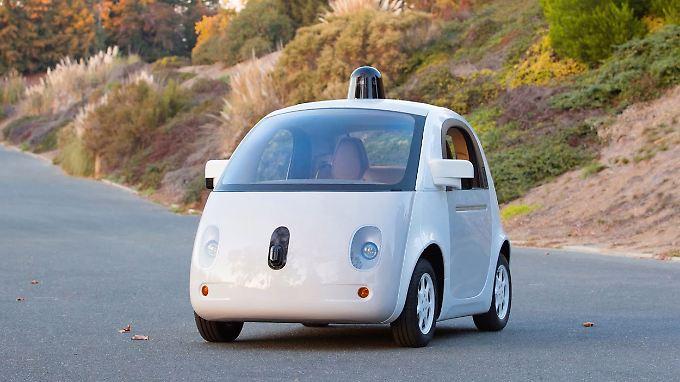 Der selbst fahrende Kurvenflitzer von Google soll ab 2015 auf kalifornischen Straßen zu sehen sein.