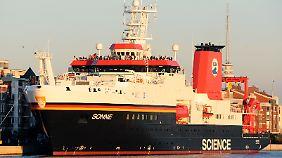 """Mit dem deutschen Forschungsschiff """"Sonne"""" wollen Wissenschaftler die Tiefsee ergründen."""