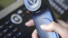 Vorsicht! Trickbetrüger geben sich am Telefon neuerdings als Mitarbeiter des PKV-Verbandes aus. Foto Marc Müller Foto: Marc Müller