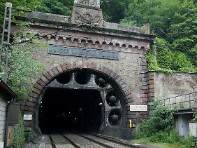Der Kaiser-Wilhelm-Tunnel bei Cochem (Rheinland-Pfalz) wird bereits seit 2001 saniert.