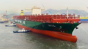 Größtes Containerschiff der Welt: CSCL Globe macht Station in Hamburg