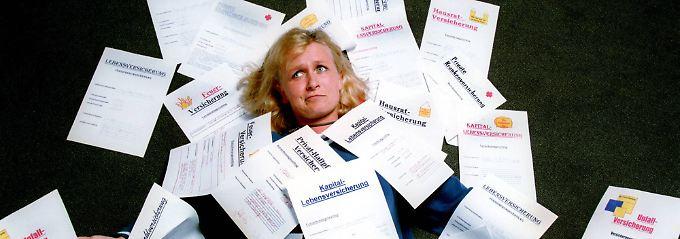 Versicherungspolicen sollten regelmäßig überprüft werden.