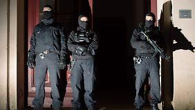 Nach Razzia in Berlin: Behörden warnen vor Terrorgefahr