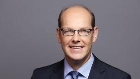 Gernot Lobenberg ist Leiter der Berliner Agentur für Elektromobilität eMO, die 2010 vom Land Berlin gegründet wurde.