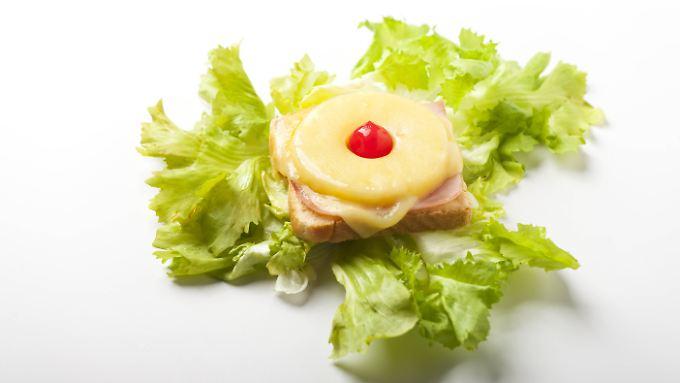 """Beim """"Toast Hawaii"""" geht es nicht um Artenvielfalt: Brot, Kochschinken, Ananas und Käse. Nur so und nicht anders."""