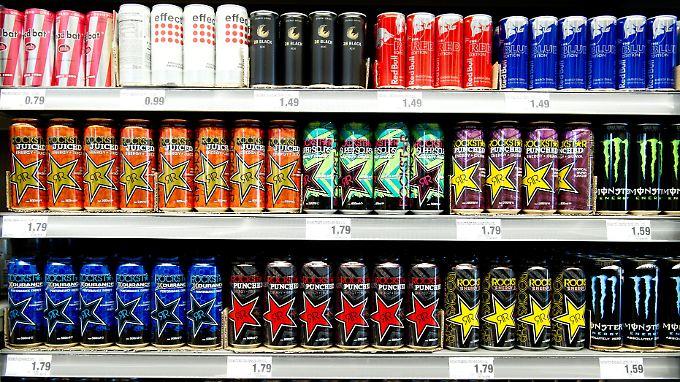 """Verbraucherschützer fordern Verbot: Energy-Drinks """"stören Herzfunktion"""" bei Jugendlichen"""