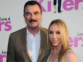 Vergeben: Tom Selleck im Juni 2010 mit seiner Frau, der Schauspielerin Jillie Mack.