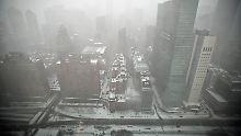 Schneefall in Manhattan: Der angekündigte Monstersturm blieb aus.