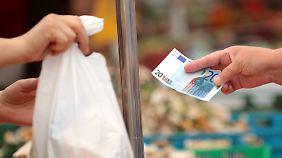 EZB-Währungshüter alarmiert: Verbraucherpreise sinken erstmals seit 2009