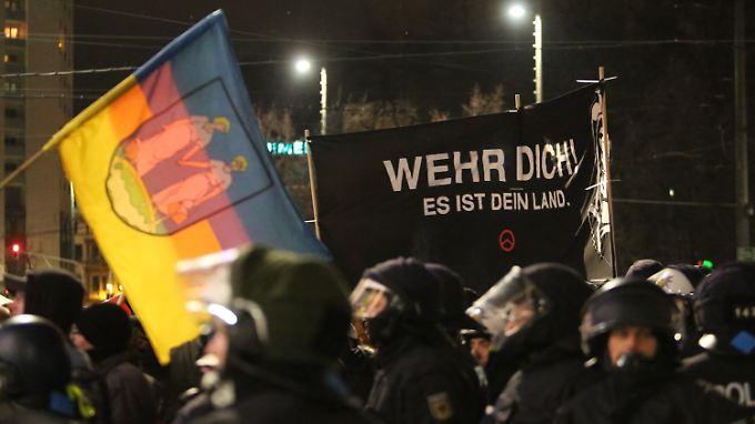 """Die Teilnehmer der Legida-Demos stammen laut Bürgermeister Jung aus dem """"NPD-nationalen Lager""""."""