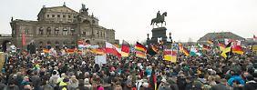 """""""Nach links gerückter Diskurs"""": Studie: Ein Drittel Fremdenfeinde in Pegida"""