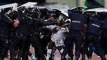 """Pfannenstiel über den Afrika-Cup: """"In 20 Minuten des Wahnsinns alles zerstört"""""""