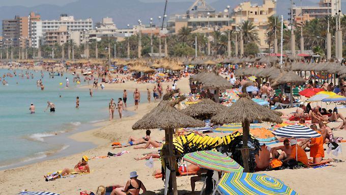 Die Tourismusindustrie ist der wichtigste Wirtschaftszweig in Spanien.