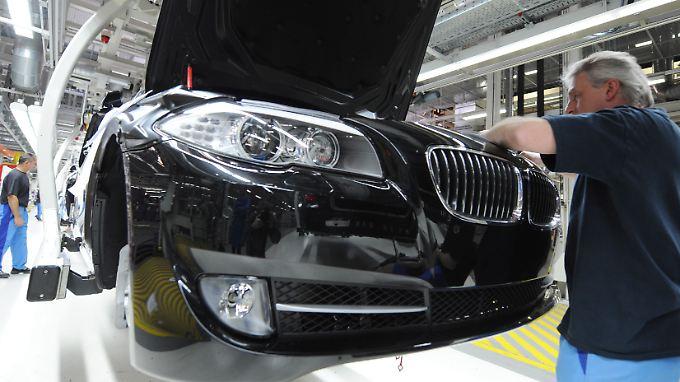 Unter anderem die Scheinwerfer und Blinker für EU-Modelle unterscheiden sich von Exportwagen für die USA.