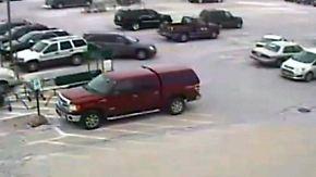 Debatte um Führerschein-Check: 92-Jähriger rammt neun Autos auf Supermarkt-Parkplatz