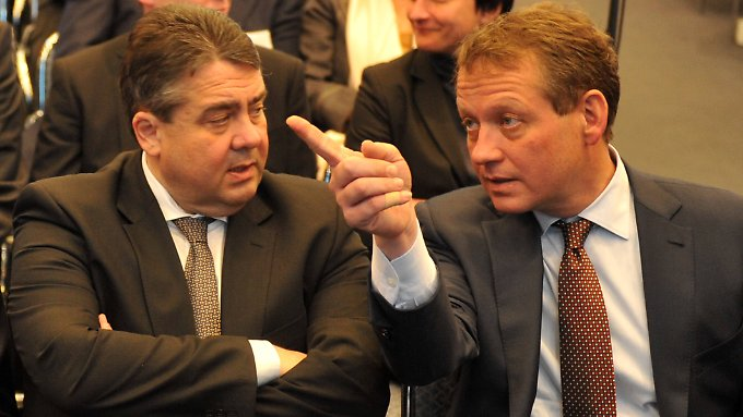 Sigmar Gabriel im Gespräch mit DIHK-Präsident Eric Schweitzer.