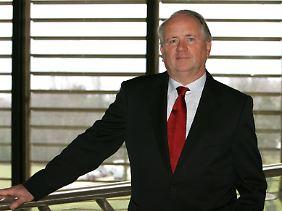 Heiner Flassbeck war von 2003 bis 2012 Chefvolkswirt der UN-Organisation für Welthandel und Entwicklung, UNCTAD. Zuvor war er Finanz-Staatssekretär unter Oskar Lafontaine.
