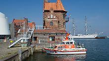 Haftstrafen in Stralsund: Motiv für Fischbrötchenkrieg bleibt ungeklärt