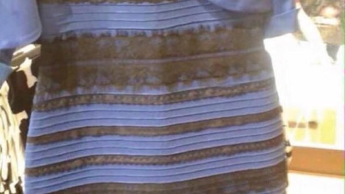 Kleid schwarz blau oder weib gold losung