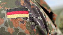 Hitzschläge bei Geländemarsch: Bundeswehr-Ausbilder muss vor Gericht