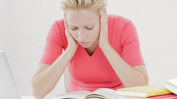 Stehen schwierige Aufgaben an, können sich viele nicht aufraffen. Verschieben heißt dann oft die (schlechte) Lösung