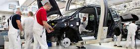 Einigung für 115.000 Mitarbeiter: VW-Beschäftigte erhalten mehr Geld
