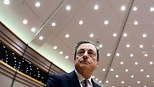 Erklärt Draghi Anleihekäufe?: EZB rührt Leitzins nicht an