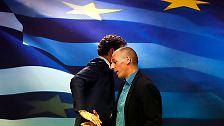 ...kam es schon mehrmals zum Eklat. Die Fronten im Schuldenstreit sind verhärtet. Der Einsatz könnte größer nicht sein. Und Varoufakis pokert hoch.