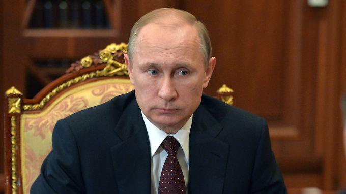Wladimir Putin äußert sich schriftlich bei Rossia 1.