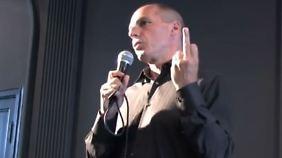 """Screenshot aus dem Video von 2013. Varoufakis dazu: """"Ich schäme mich dafür, dass man mir das zutraut."""""""