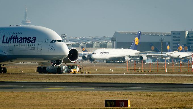 Sie waren bisher nicht vom Streik betroffen: Langstreckenmaschinen der Lufthansa.