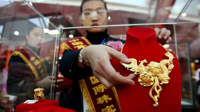 Eine wachsende Mittelklasse in Asien werde künftig mehr Goldschmuck kaufen, prophezeit die ANZ-Bank.