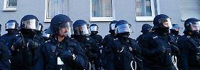 Reaktion auf Krawalle in Frankfurt: Berlin plädiert für Aufrüstung von Sicherheitskräften