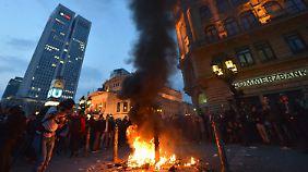 1000 Autonome zerlegen Frankfurt: Blockupy-Organisatoren distanzieren sich halbherzig