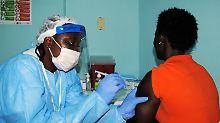 Ebola-Impfung in Monrovia: Liberia hatte das Virus fast schon besiegt.