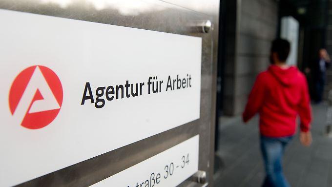 """Zuletzt waren die Jobcenter in der RTL- Sendung """"Team-Wallraff"""" in den Schlagzeilen."""