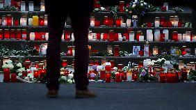 Ein Kerzenmeer für die Absturz-Opfer.