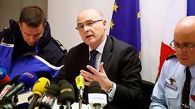 """Pressekonferenz in Marseille: """"Copilot löst automatischen Sinkflug aus"""""""