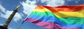 """""""Verfassungsrechtliche Bedenken"""": Scheitert die Rehabilitierung von Schwulen?"""