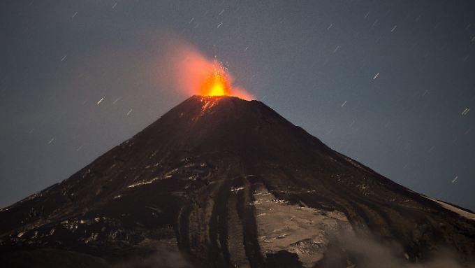 Wegen seiner Aktivität gilt für den chilenischen Vulkan Villarica die zweithöchste Alarmstufe - 750 Kilometer südlich von Santiago.