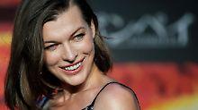 """""""Alice"""" im Wunderland: Dashiel Edon beglückt Milla Jovovich"""