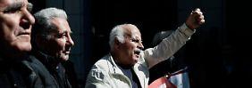 Neue Liste und ein Flirt mit Moskau: Griechen verlieren das Vertrauen in Tsipras