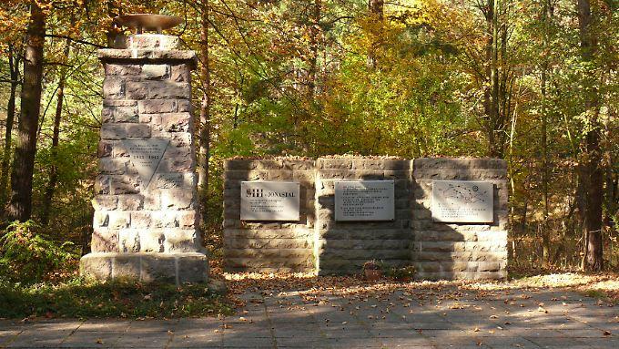 Die Gedenkstätte im Jonastal erinnert an Tausende Tote (Archivbild).