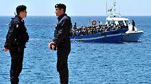 Schleuser-Routen übers Mittelmeer: Italiener retten 1000 Bootsflüchtlinge