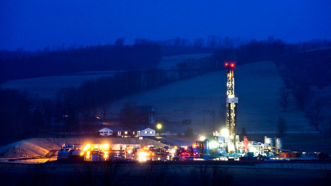 Eine Fracking-Anlage bei Troy in Pennsylvania, USA.
