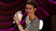 Popcorn für die Filmprominenz: Spaß-Awards feiern Angstschreie und Küsse
